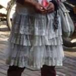 ネットで話題 中国の「イケメン乞食」さん ただの女装好きだった