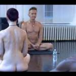 ママ友に誘われた「全裸ヨガ教室」、実はセックス教団 雰囲気に呑まれ教祖様のモノを絶叫注入