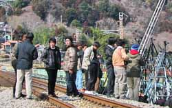 「撮り鉄」の運行妨害でJR西日本が被害届提出へ