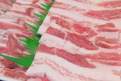 「豚バラ肉」にしか見えないカーディガンが話題に(画像あり)