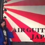 【動画】エアギター選手権で19歳日本人女性が優勝!だけどもうギター関係ねぇwただのダンス大会w