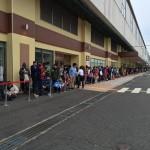 【砂漠のオアシス】鳥取のスターバックス1号店開前に1000人の大行列!