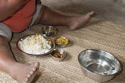 【画像】インドの9歳の女の子が体重92キロで世界一の肥満児に