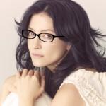 アンジェラ・アキ、メガネを外す!活動休止前に「リセットの意味を込めて」