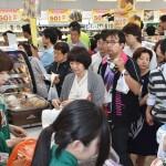 高校生「セブンの袋を自慢したい」…セブンイレブン青森県初出店