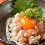 【大阪】「鶏ユッケ」食べた大学生33人が食中毒に