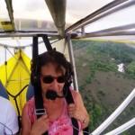 【動画】飛行機の翼にネコが! 離陸後に気付く