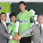 【画像】日本サッカー界の未来を担う、身長203cmの19歳wwwww