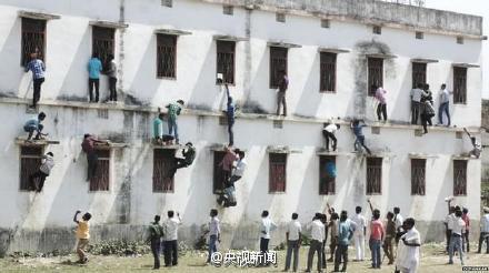 インド大規模カンニング事件の容疑者1800人の内40人が「突然死」 政府は「正常な死」と主張