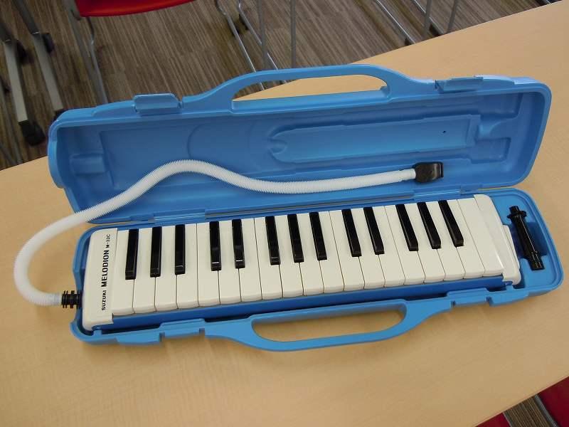 夏休みの宿題「鍵盤ハーモニカ練習」に近隣住民悩む