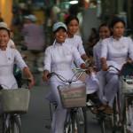 【画像】ベトナムJKのスケスケ制服wwwww