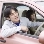 「女性が嫌う男の運転」ワースト10 1位は、すぐにクラクションを鳴らす