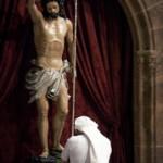 【フランス】司祭がキリスト像を地面に投げつけ「これで一つ減った!」と叫ぶ 「ストレスで」と弁明