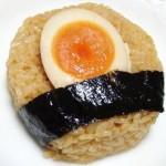 セブンイレブンの煮卵おにぎりwwwwwwwww