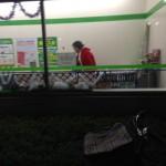 【画像】壊死ニキ、ファミリーマートに入店