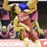 【画像】吉田ネキ強すぎるため試合で遊び始める