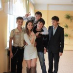 【画像】ロシアの小学校の女教師wwwwww