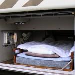 【画像】深夜バスの運転手の仮眠室ワロタwwwww