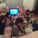 【画像】元AV女優・ほしのあすかさんの自宅にAV女優が集まり鍋パーティー