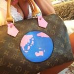 【画像】AV女優がツイッターで公開したヴィトンのバッグがヤバイwwwww