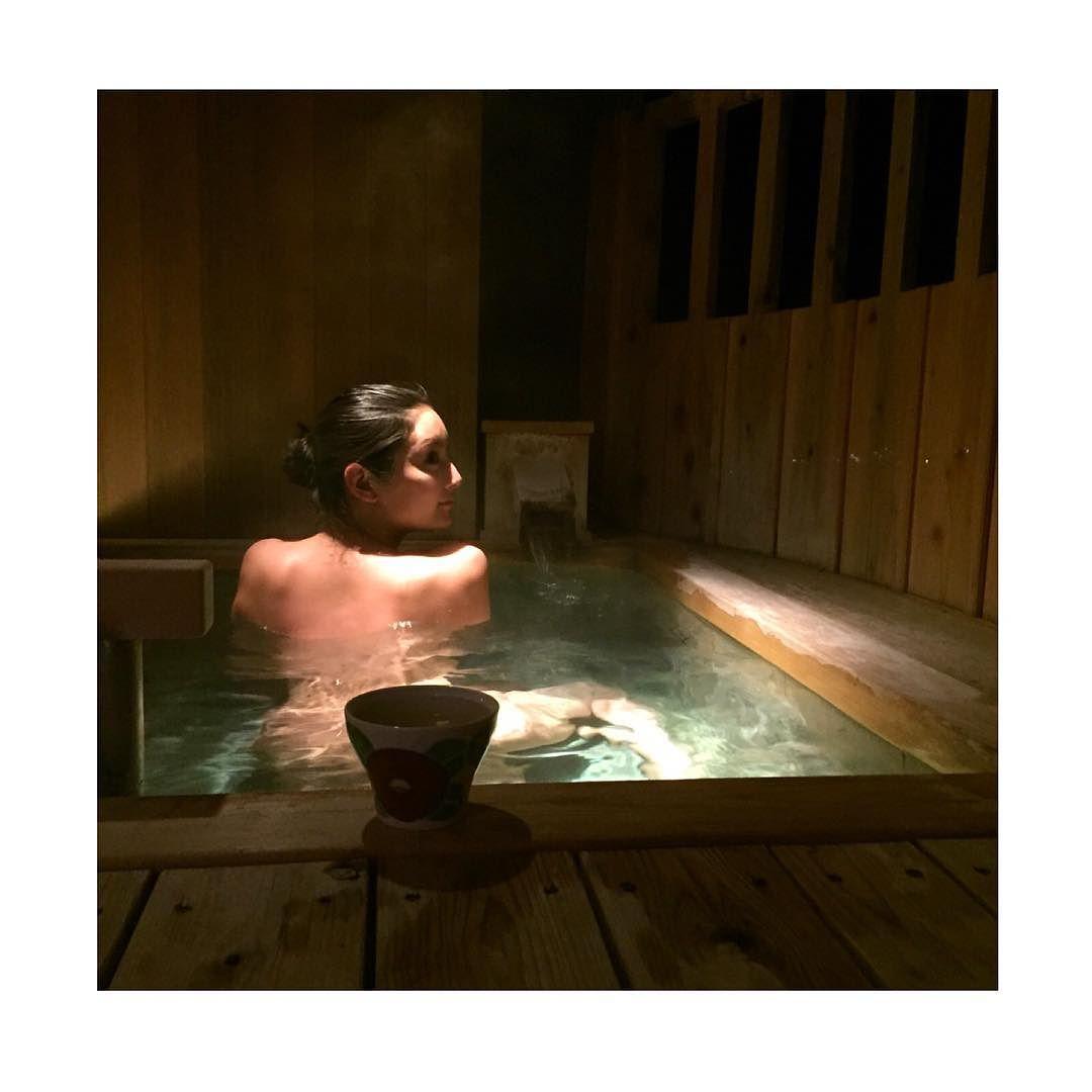 【画像】菜々緒、超セクシー全裸入浴写真を公開して話題に「エロ過ぎ!」「鼻血ブーだ」歓喜の声