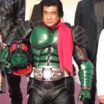 70歳の藤岡弘、、仮面ライダースーツ姿を披露「45年の時を越えて帰ってきました」