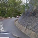 転倒して側溝に落ちたバイクの姿がGoogleストリートビューに映りこんでいると話題に