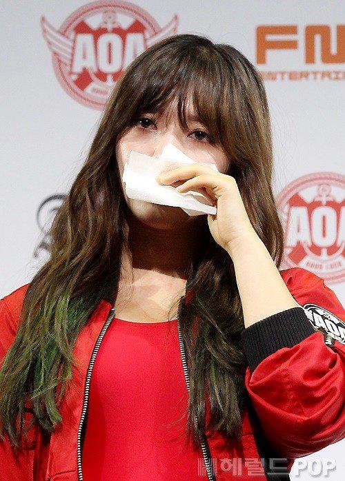 【悲報】韓国のアイドル、クイズ間違えて号泣謝罪