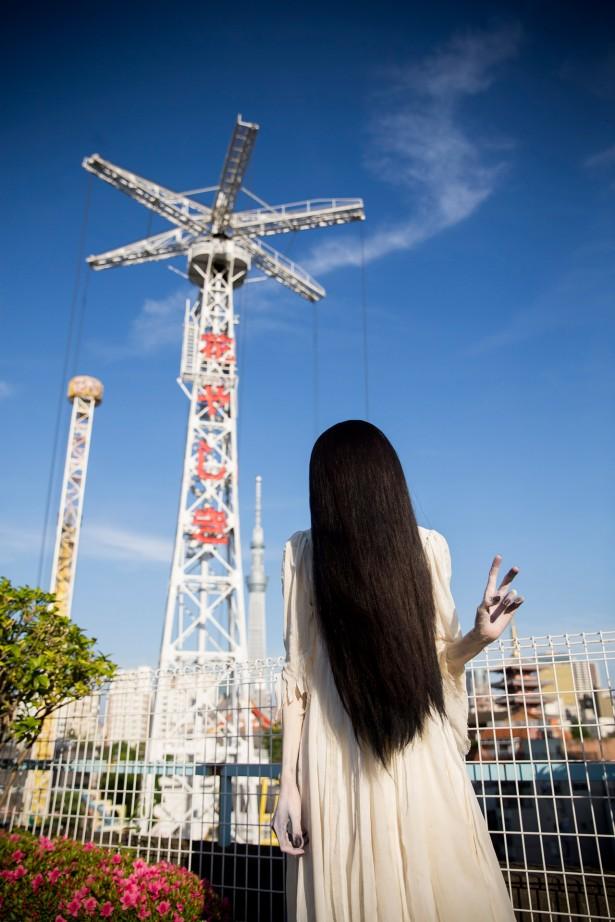 【画像】貞子がグラビアに挑戦wwwww テーマは「恋愛」