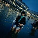 意識高そうなおかっぱ男「ヴェネツィア、正に水の都でした。。」カシャッカシャッ