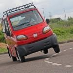 【画像】インドの軽自動車をご覧ください