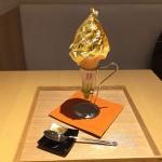 日本一豪華な「金箔のかがやきソフトクリーム」が凄い! 女子「頑張った自分へのご褒美」