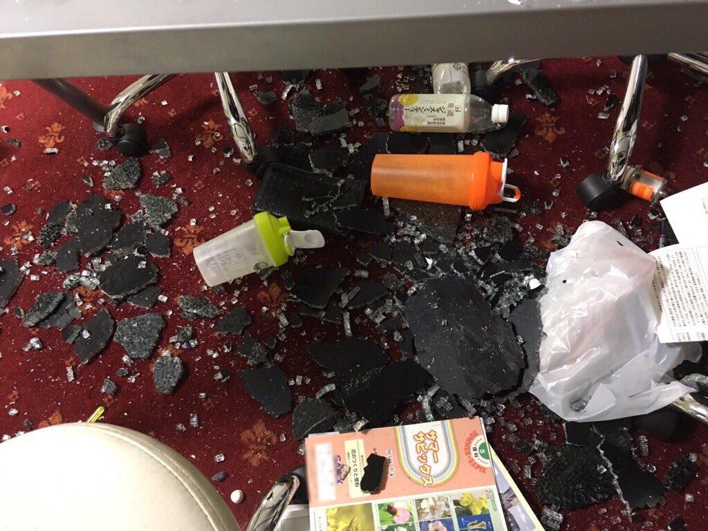 【画像】IKEAで買ったテーブルがいきなり破裂