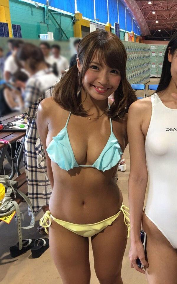 【画像】日本一黒いグラビアアイドルwwwww