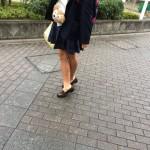 【画像】女子高生の間で制服ローファーの素足履きが流行