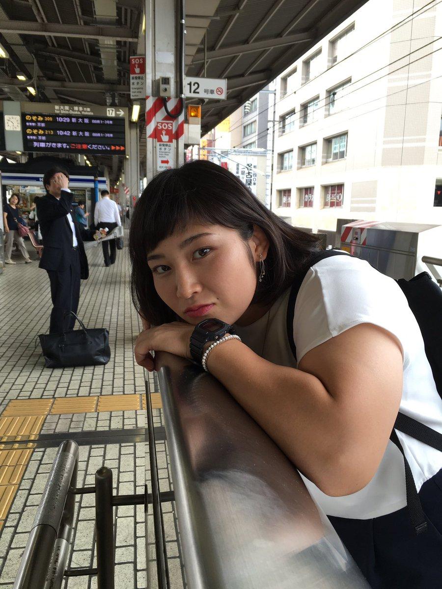 土性沙羅さんに腕相撲で勝ったら10万円(負けたら無理矢理犯される)