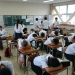 【画像】陰キャ教室の風景wwww
