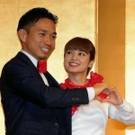 長友&愛梨、婚約会見 まるで夫婦漫才 子ども「11人」希望に「いいんかい!」