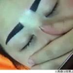 【画像】「まるで関羽だ」「アングリーバードみたい」 眉毛タトゥーを入れた女性 イメージと大違いで施術料の返還を求める -中国