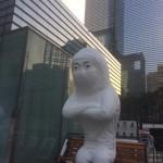 サムスン社屋の横に抗議の『半導体少女像』設置 サムスン「頼むからやめてくれ」