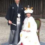 小島よしお、明治神宮で挙式!夫人とのツーショット写真を公開