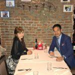 長友&愛梨、ブログにツーショット写真 「妻とディナーに」