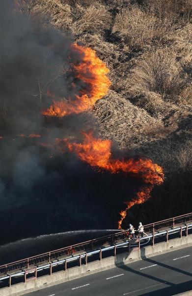 【動画像】京都でラジコンヘリ墜落 草炎上