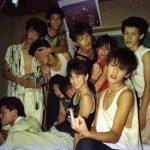 【画像】80年代の陽キャ集合写真www