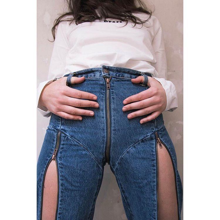 【画像】女子、くっそHなズボンをはいてしまうwww