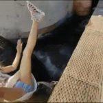 【動画】豪快にパンツを見せる女子wwwww