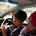 【違法だと知らなかった】膝の上の子供に運転させ動画投稿した配管工の男逮捕、容疑否認へ