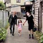 小室哲哉がKEIKO散歩写真公開、ファン喜びの声