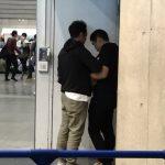 【画像】欅坂46の握手会に行ったドルオタ、スタッフにオラつかれる