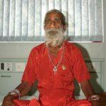 【画像】80年近く飲まず食わずのインドの修行僧 これどーなってんの??